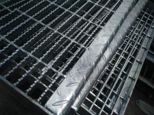 Steel Grating Murah Galvanis Hotdeep Ukuran Bisa Dipesan Sesuai Permintaan Tebal 5mm